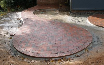 Think outside the square: Curved and round patios and walkways