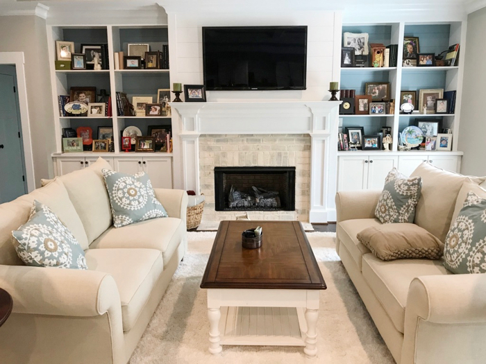 beautiful decorating with a Chesapeake Pearl fireplace