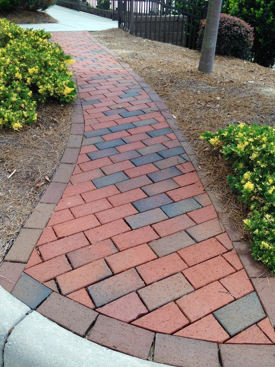 Pathway Full Range w Cocoa Bands residential hardscape