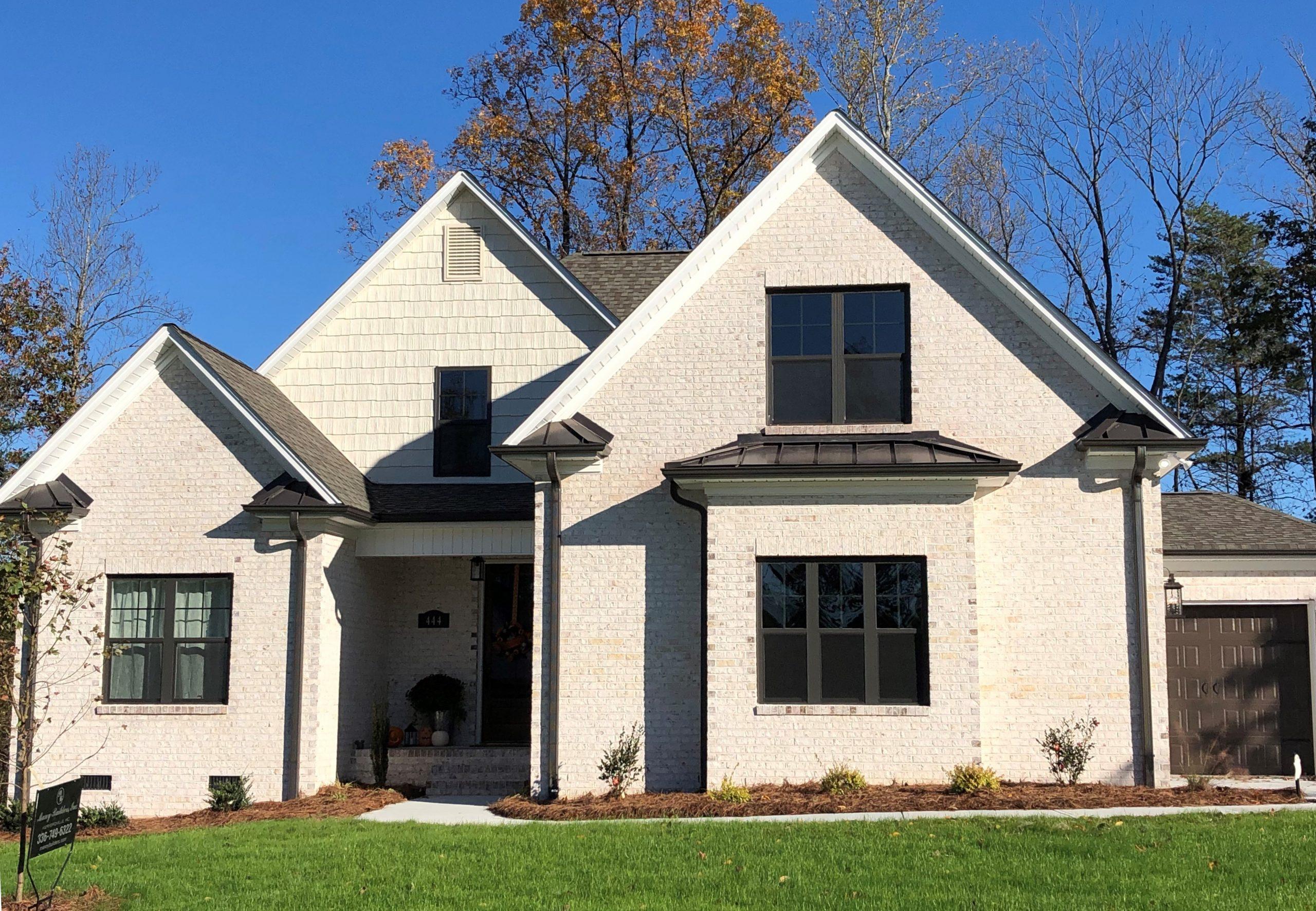 Villa Chase - White Mortar - White Brick